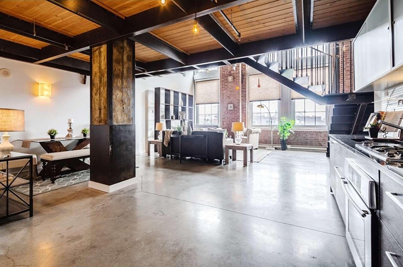 Washington Avenue loft available March 2017 - c